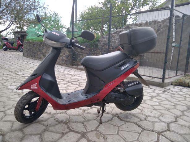 Продам Скутер Honda Dio .