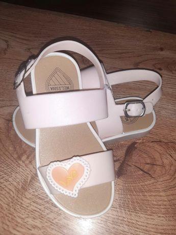 Взуття для дітей нове