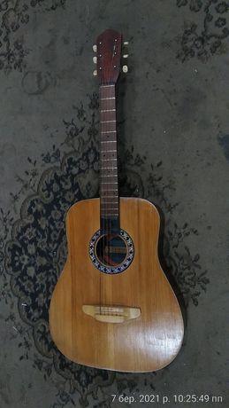 Гитара концертная большая