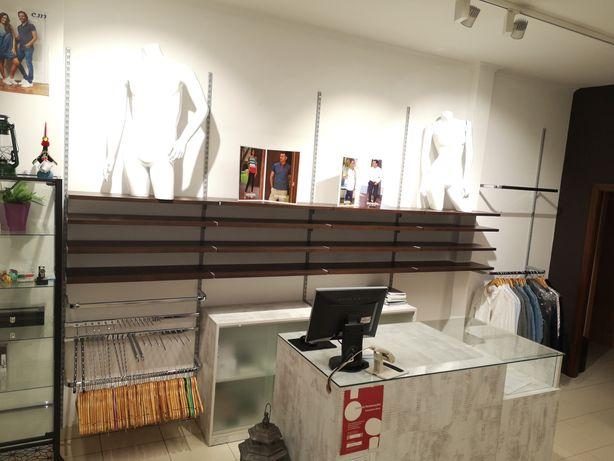 Mobiliário loja vestuario