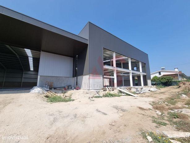 Pavilhão industrialcom 2160 m2em Abade de Vermoim, Famalicão