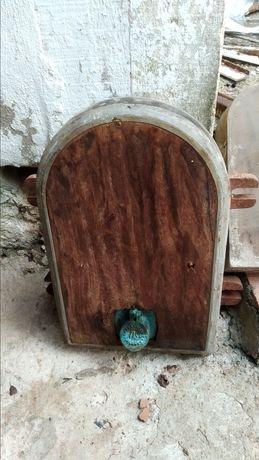 Postigo / Porta de depósito de vinho FAS