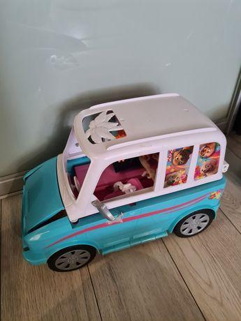 Wakacyjny samochód barbie kamper