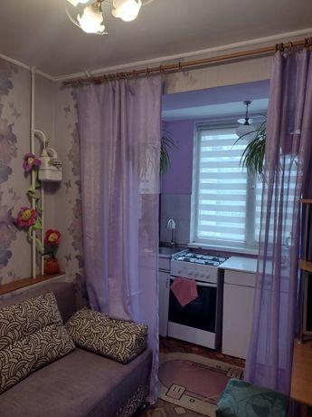 Оренда 1-кімн доглянутої квартири біля Метро.