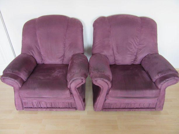Szybka Sprzedaż: 2 fotele i jedna kanapa koloru fioletowego za 100 zł!