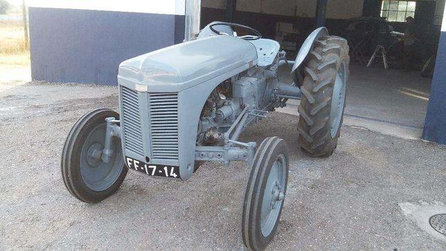 Tractor ferguson TE 20 c/documentos resgistado em 1951