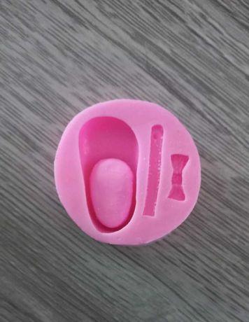 Forma silikonowa do masy cukrowej mały bucik