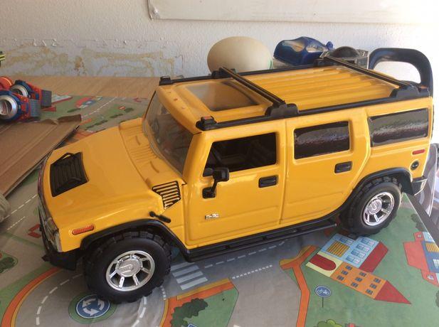 Hummer H2 Grande - aço prensado - 2003 scala 1/12