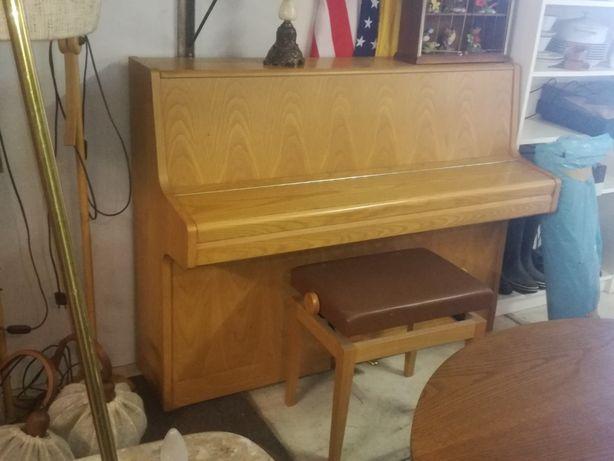 Pianino Samick S-108S