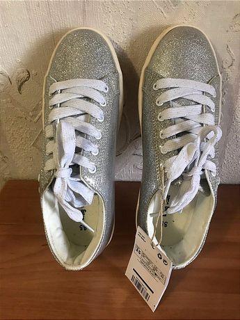 Модные кроссовки серебро Mango р.35