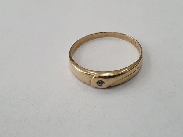 Klasyczny! Piękny! Złoty pierścionek damski/ 1.68 gram/ 585/ R23