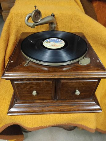 W. H. Smith&Son Paris zabytkowy gramofon