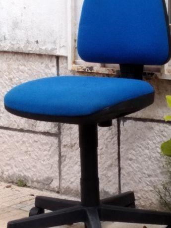 Cadeira de escritório ou secretaria