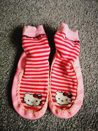 Kapcie skarpetki Hello Kitty roz 27-30
