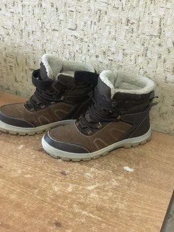 Продам зимові черевики