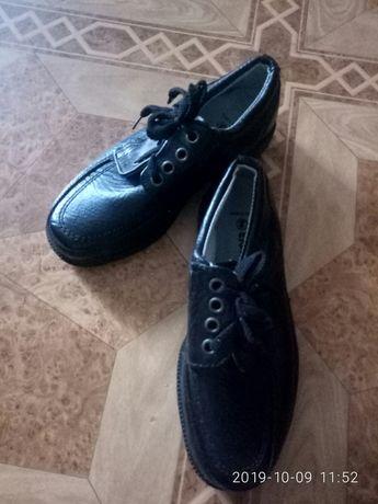 туфли подростковые новые
