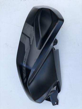 Yamaha mt125 owiewka osłona nakładka na zbiornik bak prawa bok prawy