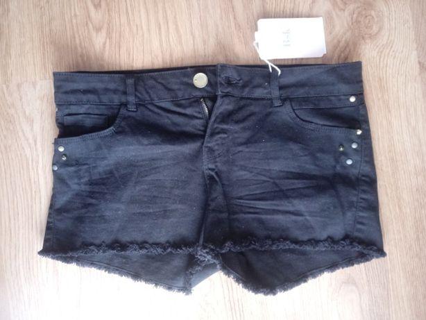Nowe czarne jeansowe shorty Bershka