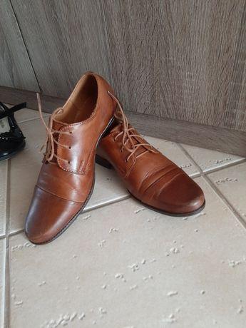 Skórzane buty do garnituru komunia r.32