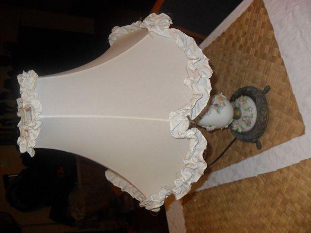 Candeeiros mesa cabeceira e teto cerâmica antigos