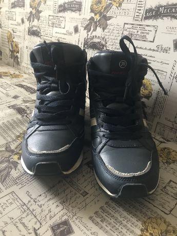 Зимові кросівки розмір 38