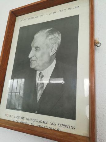 Quadro com foto do Salazar