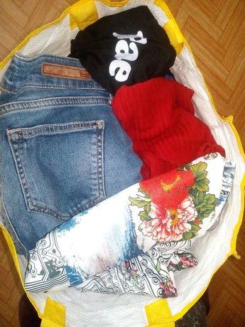 Віддам одяг