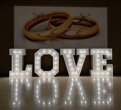 Napis LOVE wynajem, wolne terminy w 2020 i 2021