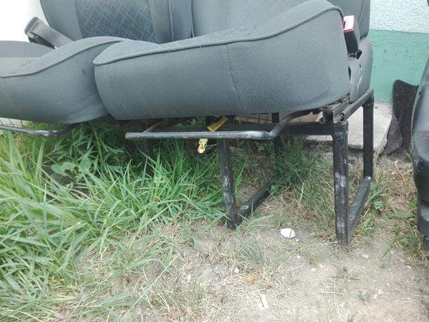 Fotele na ramie do kampera
