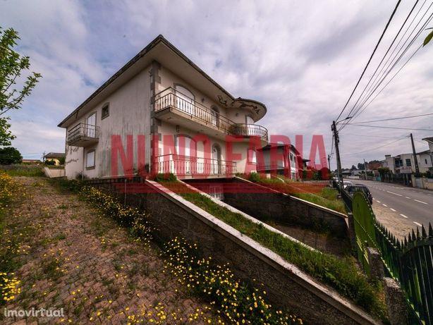 Moradia com 1289m2 em Sande São Lourenço - Taipas