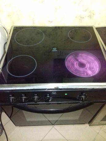 Врезная электро плита с духовкой .