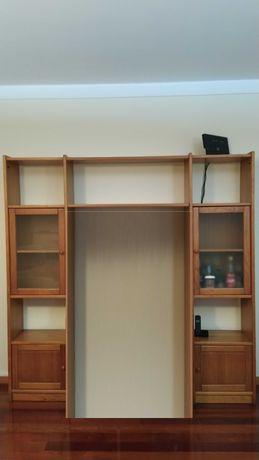 Móvel de pinho adaptável a  escritório, quarto,sala de estar