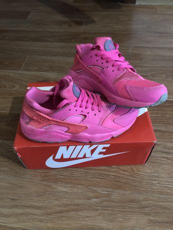 Розовые кроссовки Nike Huarache, женские