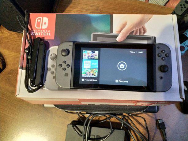 Nintendo switch plus walizka