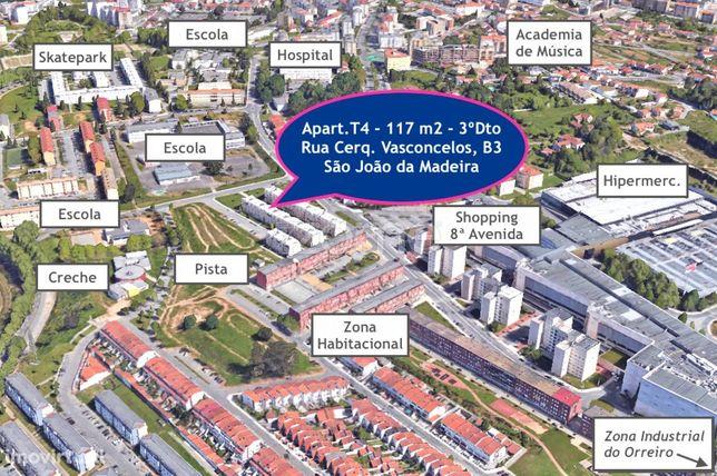 T4 ao Shopping, em São João da Madeira