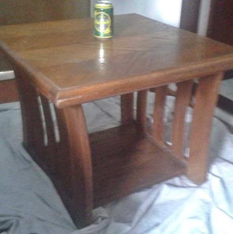 Mesa de TV ou centro em madeira americana genuína, Um valor