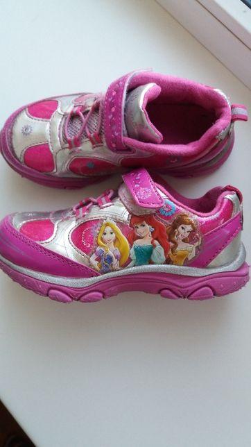фирменные светящиеся кроссовки Disney(США),размер 27-28(17,5см)