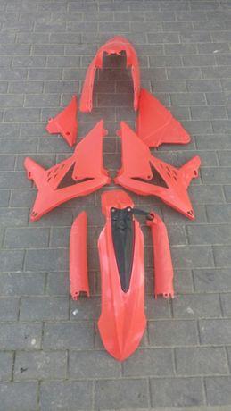 Plastiki Polisport Beta RR 250 300 stan dobry kolor czerwony