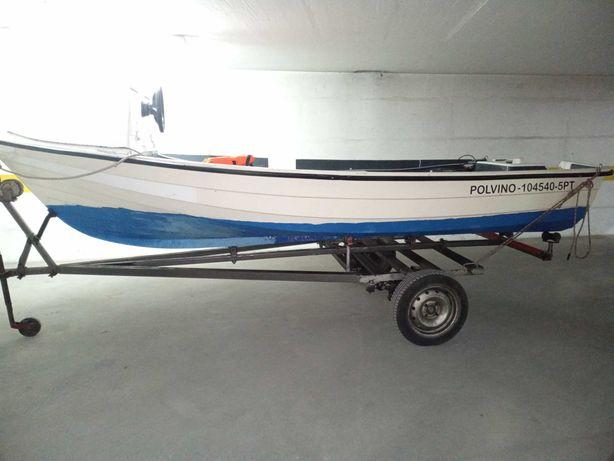 Barco de fibra tipo pescador 4,55m