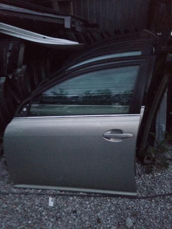 Toyota Avensis t25 drzwi lewy przód przednie sedan kombi HB 03-09r