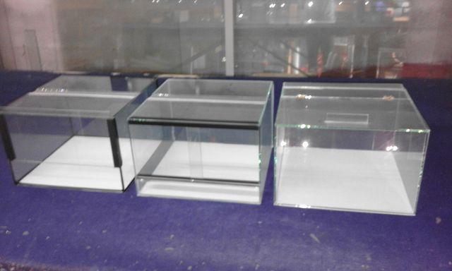 Terrarium 30x30x20 z gilotyną,z drzwiami przesuwnymi oraz na zawiasach