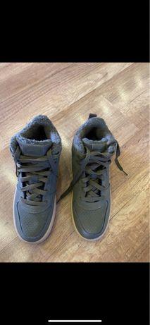 Sprzedam buty nike zimowe khaki  38 prawie nowe