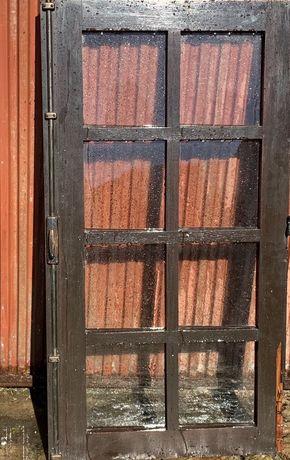 Janelas em madeira antigas com vidros (par)