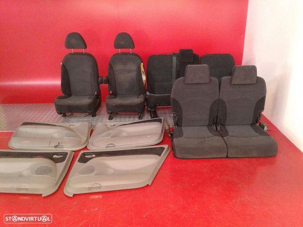 Conjunto De Bancos / Sem Airbags Mitsubishi Grandis (Na_W)