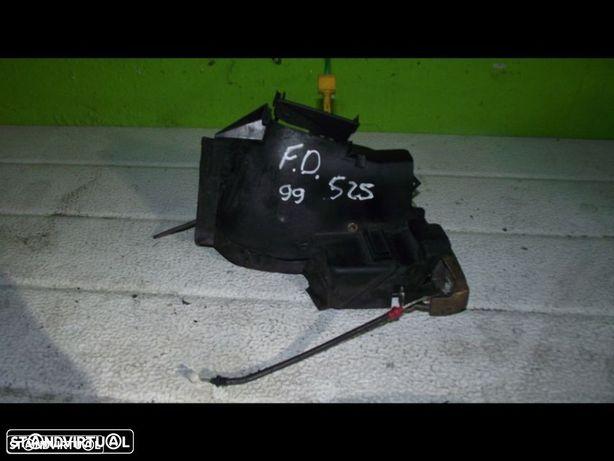 PEÇAS AUTO - VÁRIOS - Bmw 525 - Fechadura Eléctrica Frente Direita - FCH129