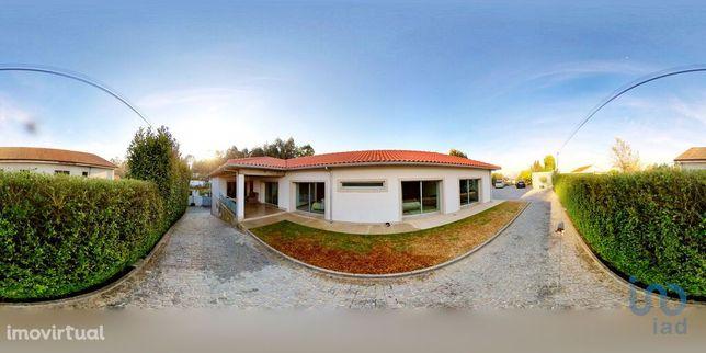 Moradia - 449 m² - T4