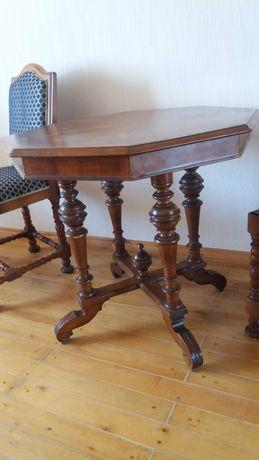 Стол  и стул старинный деревянный