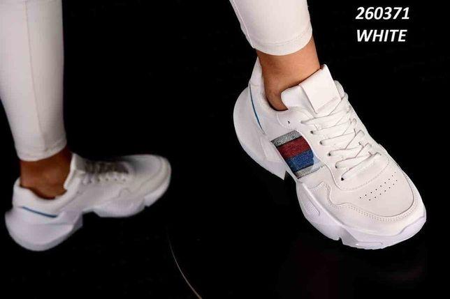 кроссовки женские 39р