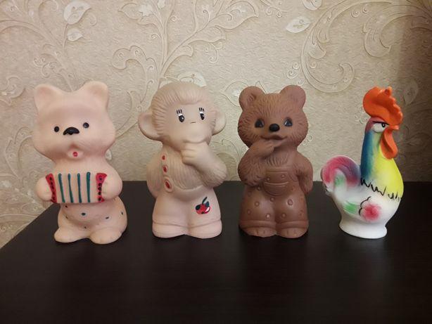 Игрушка резиновая клеймо песик , обезьяна, мишка, петух Винтаж СССР