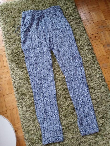 Spodnie materiałowe we wzory, rozmiar L/XL